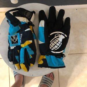 Grenade snow gloves. Medium